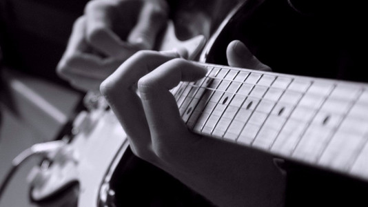 Integrating Alternate-Picked Arpeggios Into Your Solos