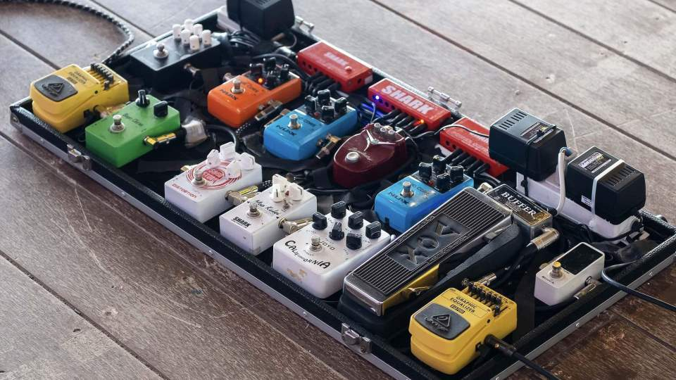 Setting Up The Signal Chain: Can Order Of Pedals Impact Your Guitar Tone? [Lessons]