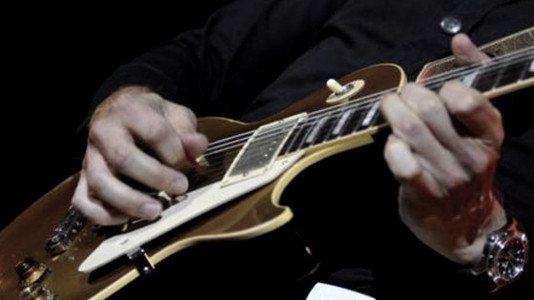 What Should Guitar Players Play?