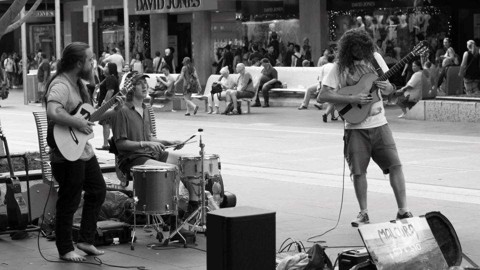 What the Biggest Difficulties Are When Working as a Street Performer, As Explained By Malcura
