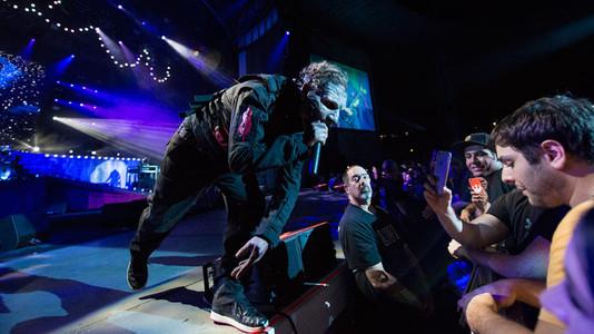 Corey Taylor: Cuál es mi problema más grande con la gente que filma los conciertos con los teléfonos