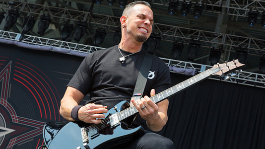 Mark Tremonti: How Important Showmanship Is in Metal