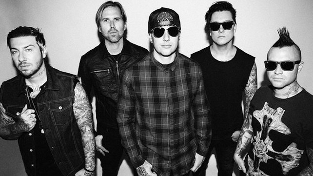 M Shadows Cant Sing For Next 3 Months Due To Terrible Viral