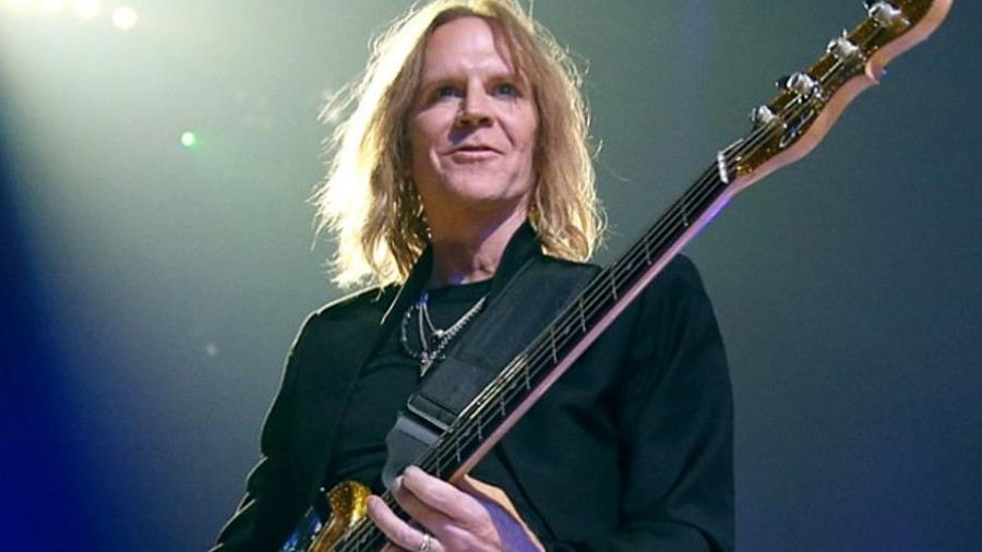 Aerosmith's Tom Hamilton Explains Most Important Thing About Being A Bass Player, Says He's Not Into Slap [News]