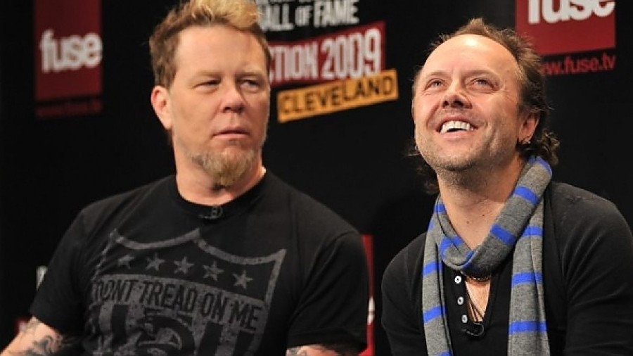 Lars Ulrich Talks James Hetfield S Quarantine Metallica Surprise He Didn T Tell Any Of Us What He Had Done Music News Ultimate Guitar Com