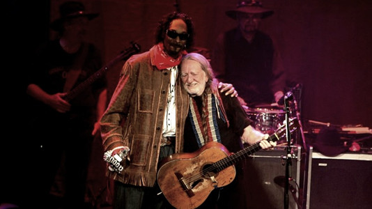 Unlikely Celebrity Friendships: Willie Nelson and Snoop Dogg
