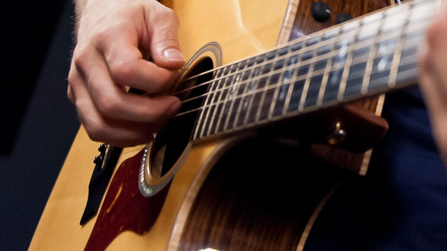 Starting Out? Here Are 10 Best Guitar Songs for Beginners | Articles ...