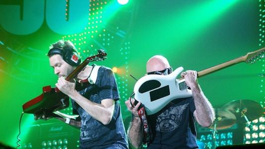 Joe Satriani: The Guitar Thing Paul Gilbert Absolutely Beats Me At