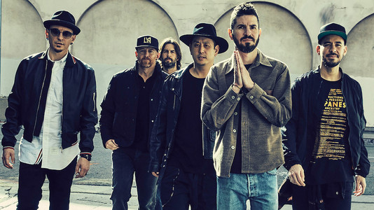 Linkin Park plans public memorial for late singer