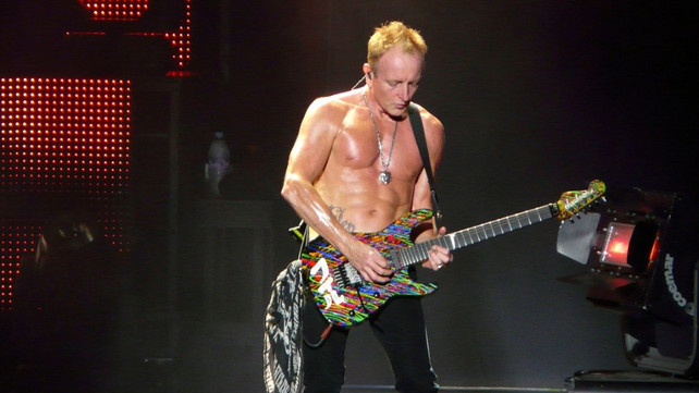 Phil Collen Leaves Def Leppard Tour Temporary Replacement Revealed Music News Ultimate Guitar Com