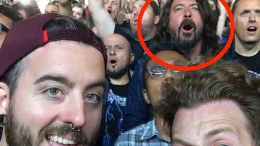 Here's Dave Grohl Rocking Out in the Pit at Metallica Show