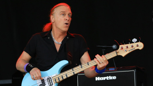 Billy Sheehan: Why Are Ears More Important Than Scales