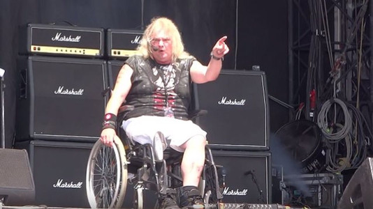 Watch: Grim Reaper's Steve Grimmett Plays First Show Since Losing His Leg